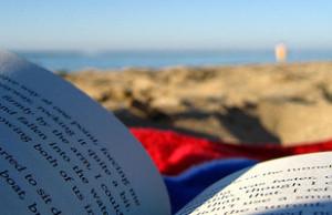 libro-in-spiaggia-a-barcellona