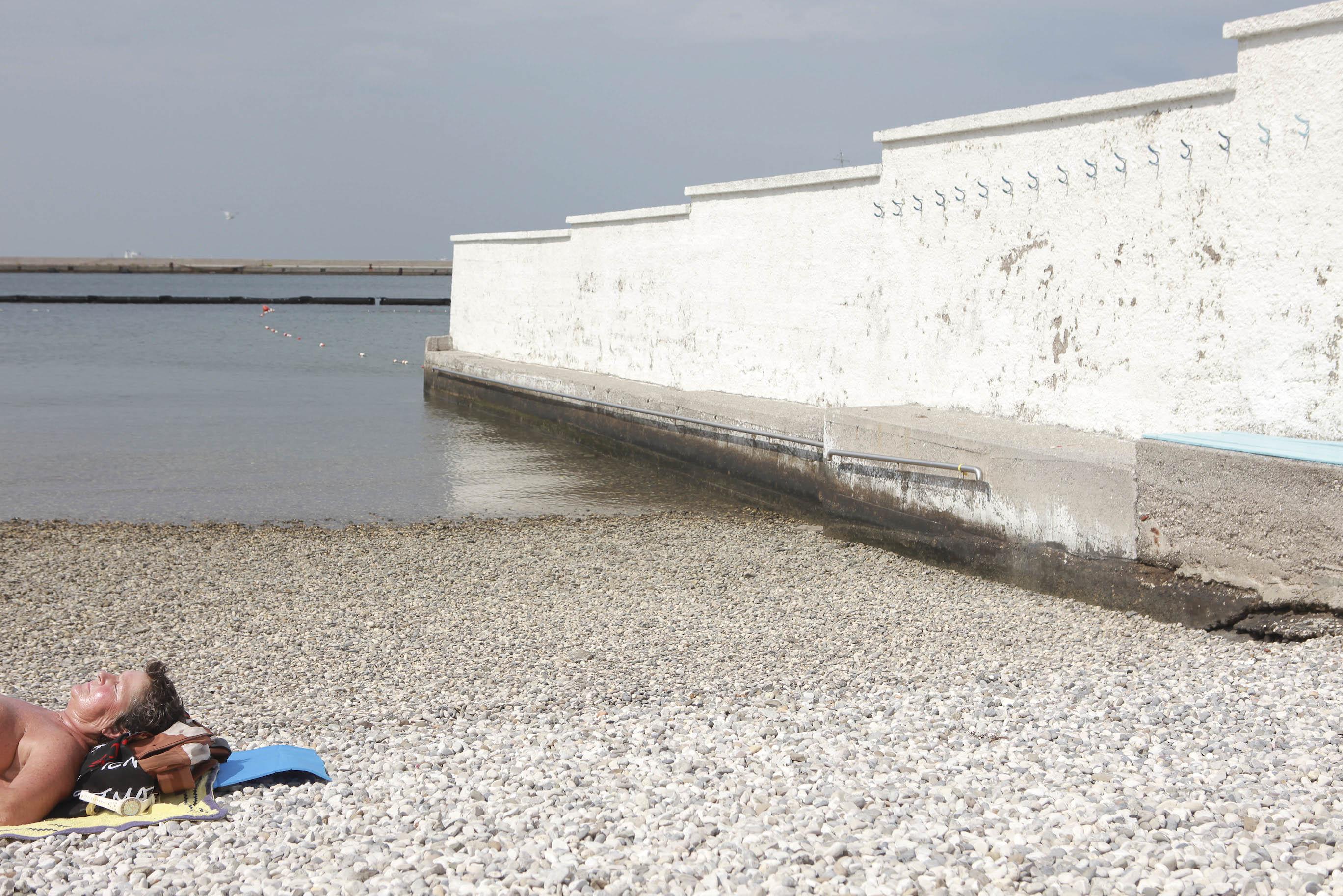 Cannes69 quel muro di libert che divide trieste - Bagno lanterna trieste ...